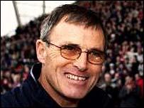 Crewe boss Dario Gradi