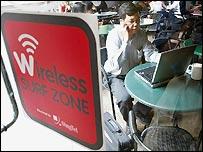 Wi-fi hotspot in Singapore