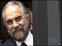 Tommy Chong leaving court