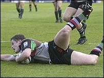 Harlequins centre Mel Deane touches down at The Stoop