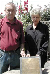 Cliff and Lin Tiltman with the memorial plaque