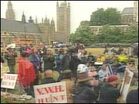 Hunt protestors