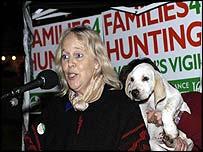 Baroness Mallalieu addresses the pro-hunt crowd