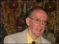 Dr Ian MacLennnan