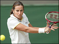 Silvia Farina Elia in action against Kim Clijsters