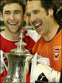 David Seaman and Martin Keown (left)