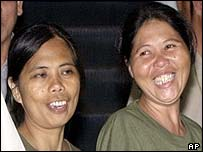 Nori Bendijo, right, and Flor Montolo, who escaped from the Muslim extremist group Abu Sayyaf