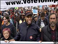 Danny Glover on an anti-war march in San Francisco on 19 March 2003