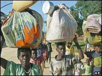 Fleeing clashes in Bunia