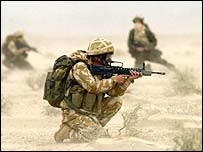 British soldiers in Iraqi desert