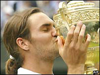 Roger Federer wins his first Wimbledon title