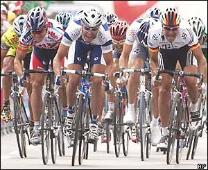 The small bunch of riders to escape the crash sprint for the line, with Alessandro Petacchi (centre) emerging victorious