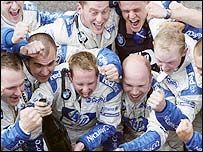 The Williams team celebrates as Ralf Schumacher wins in France