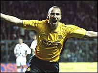 Henrik Larsson celebrates