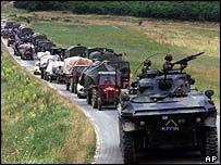 Serb refugees flee Kosovo