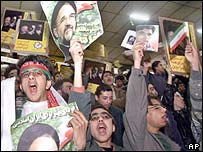 Young Khatami supporters at a rally before the 2000 elections