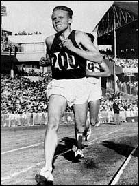 Soviet runner Vladimir Kuts