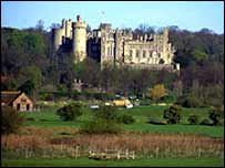 Arundel Castle, picture by FreeFoto.com