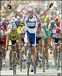 Italian Alessandro Petacchi sprints towards the finish line and wins the third stage