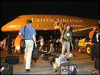 Bush tour press plane
