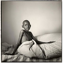 Laina Choma, 11, Masshambanzou Aids Clinic, Harare. ©Simon Roberts
