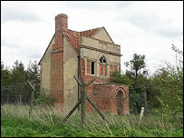Warren House, Cambridgeshire - English Heritage picture