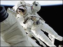 Маленчеко работает в токрытом космосе