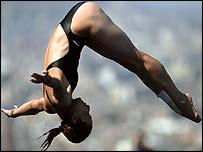Guo Jingjing in action in Barcelona