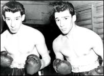 Ronnie (left) and Reggie Kray