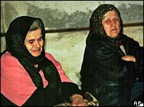 Chechen women weep for their lost relatives