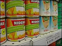 Productos a la venta en un mercado uruguayo.