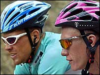Jan Ullrich (left) and Alexandre Vinokourov during the 14th stage