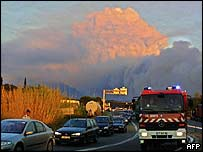 Evacuation from Massif des Maures fire near Vidauban, France