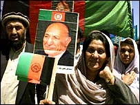 Afghan crowds celebrating Zahir's return in 2002