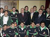 Gonzalo Sánchez de Lozada y el equipo boliviano