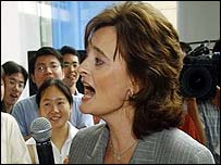 Cherie Blair sings the Beatles