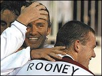 England celebrate Wayne Rooney's goal