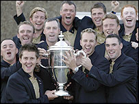 GB & Ireland team with the Walker Cup