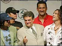 Enrique Iglesias, Kike Santander, Jorge Villamizar, Jose Jose, David Bisbal.