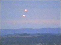 BBC 记者 直播外星人 UFO  (图) - 外星人给地球的忠告 - UFO外星人不明飞行物和平天使2012