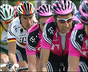 Erik Zabel leads the peloton