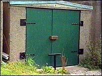 The garage where Lara's remains were found