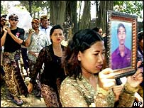 Funeral procession after Bali bombing