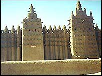 Mali mud Djenne Mosque on the banks of the Niger