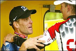 Lance Armstrong congratulates Tyler Hamilton