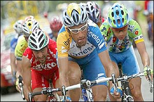 Spain's Vicente Garcia Acosta rides in front of Italian Salvatore Commesso (left) and Colombian Ivan Parra