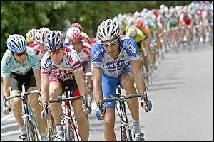 Dutchman Servais Knaven starts to break away from the pack as he is followed by Leon van Bon
