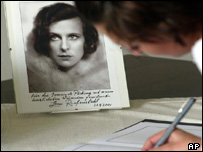 Condolence book for film director Leni Riefenstahl