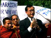 Opposition leader Sam Rainsy among Buddhist monks