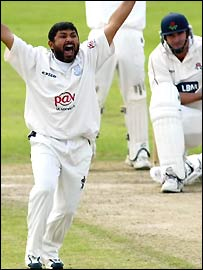 Mushtaq appeals against Lancashire
